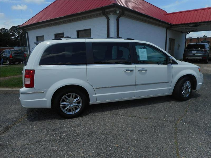2009 CHRYSLER TOWN & COUNTRY LIMITED for sale by dealer