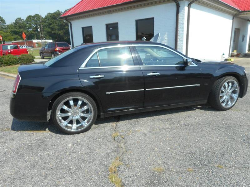 2011 CHRYSLER 300 LIMITED for sale by dealer