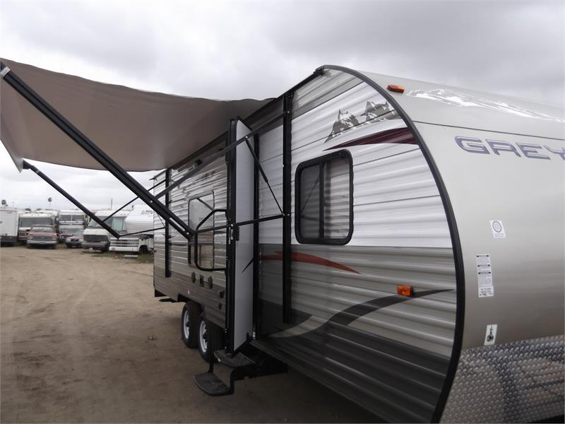 2015 BRAND NEW GREY WOLF 25RR TOY HAULER for sale by dealer