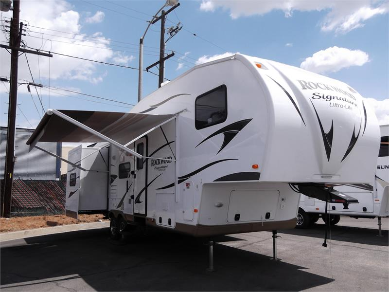 2015 BRAND NEW ROCKWOOD ULTRA LITE 8285WS for sale by dealer