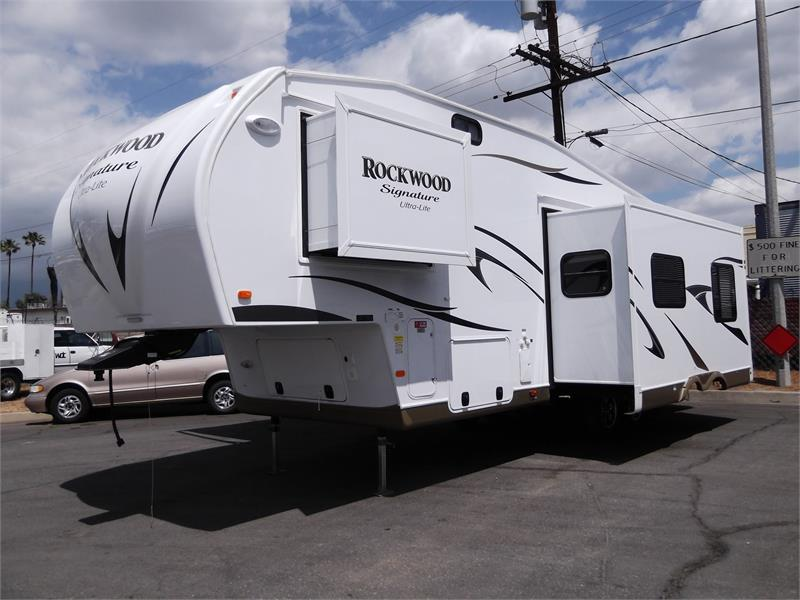 2015 NEW ROCKWOOD SIGNATURE ULTRA LITE 8244WS for sale by dealer