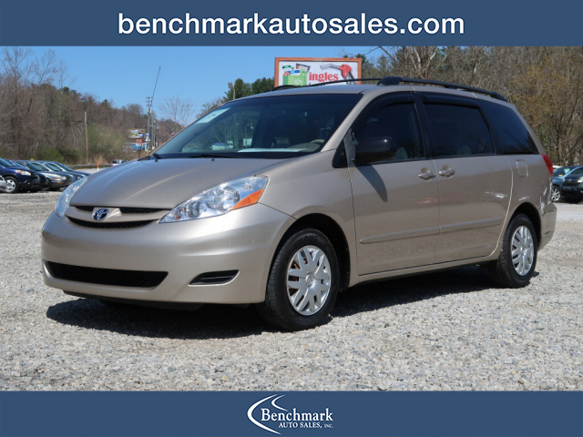 2008 Toyota Sienna CE 7-Passenger for sale by dealer