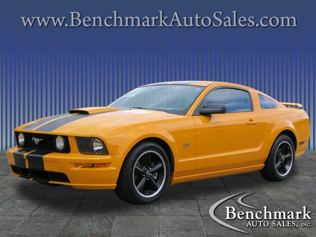 2007 Ford Mustang GT Deluxe 2dr Fastback for sale by dealer