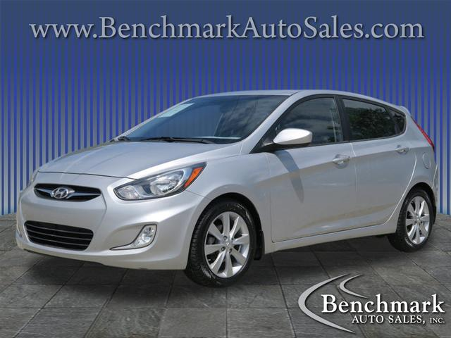 2012 Hyundai Accent SE for sale by dealer