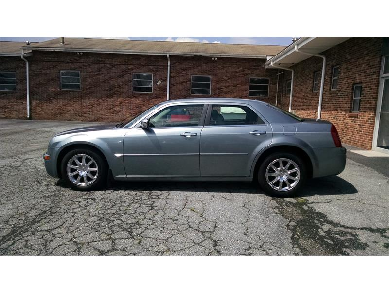 2007 Chrysler 300 C for sale by dealer