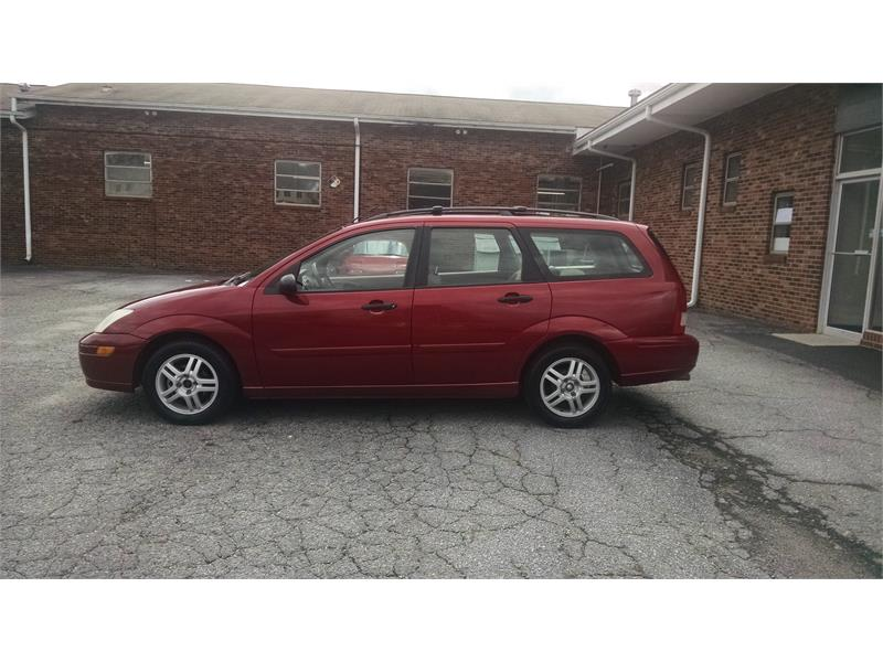 2000 Ford Focus Wagon SE for sale by dealer