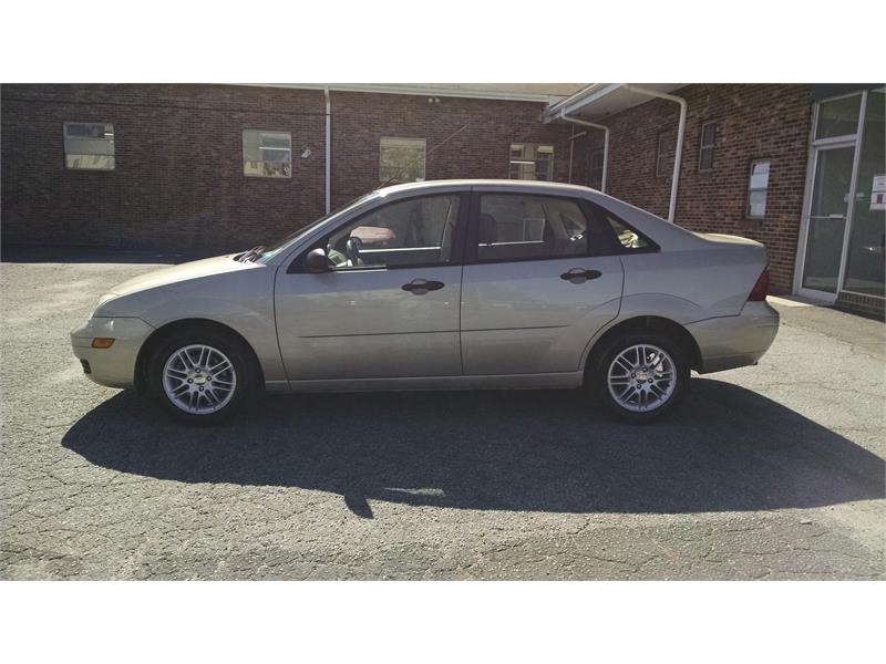2006 Ford Focus ZX4 SE for sale by dealer