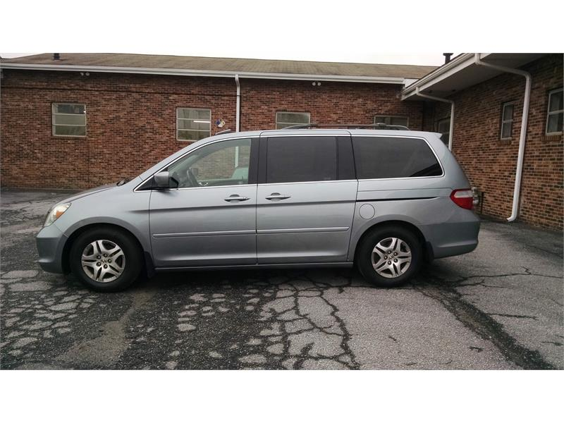 2006 Honda Odyssey EX-L w/ DVD and Navigation for sale by dealer