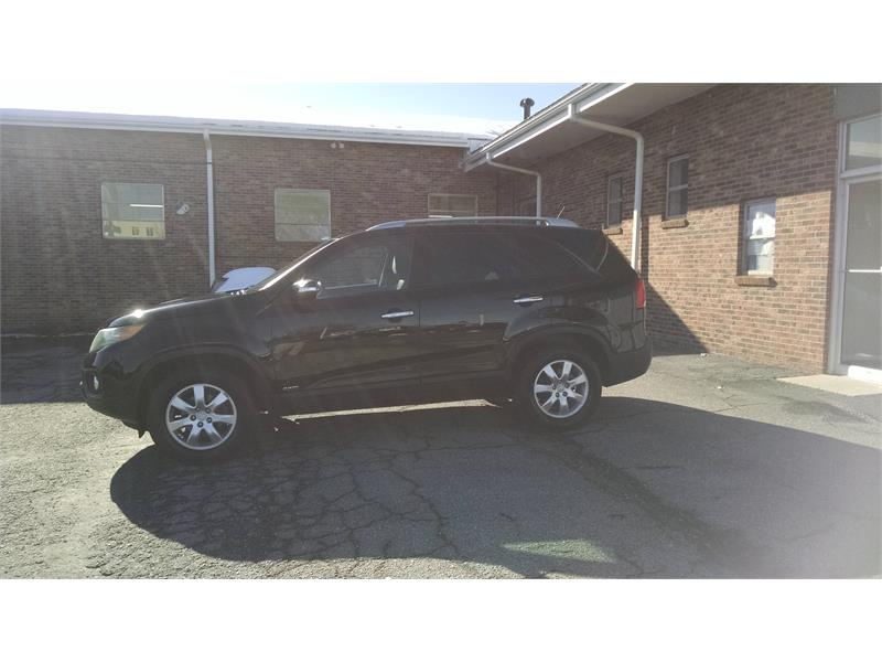 2011 Kia Sorento LX 4WD for sale by dealer