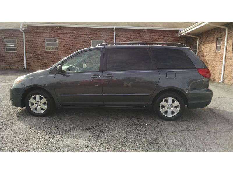 2009 Toyota Sienna CE FWD 7-Passenger for sale by dealer