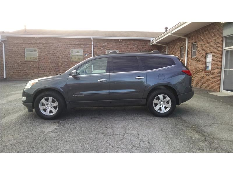 2009 Chevrolet Traverse LT2 AWD for sale by dealer