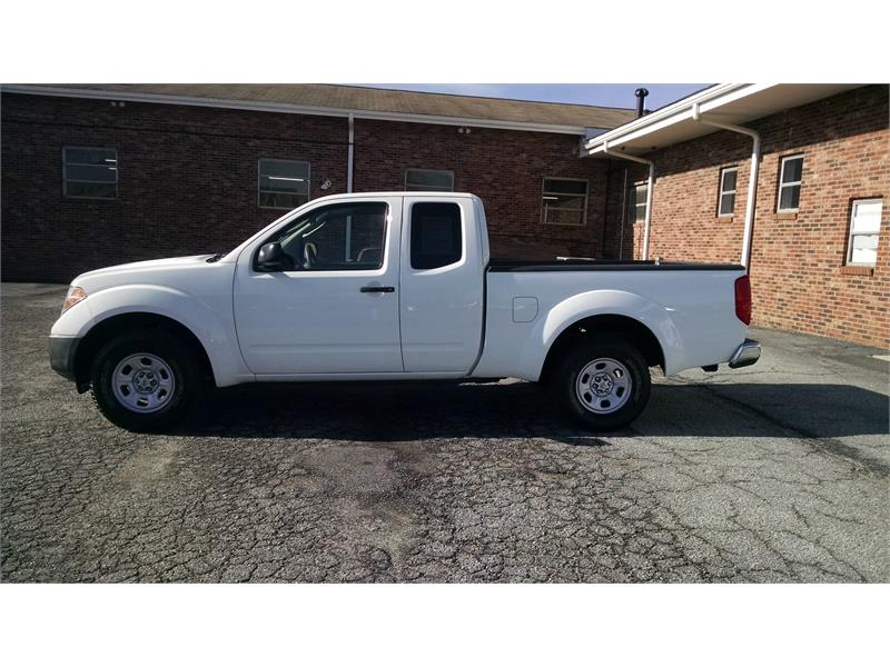 2006 Nissan Frontier XE King Cab 2WD for sale by dealer