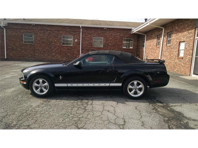 2007 Ford Mustang V6 Deluxe Convertible for sale by dealer