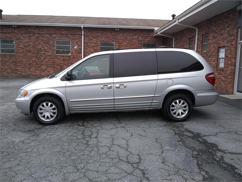 2003 Chrysler Town & Country LXi FWD for sale by dealer