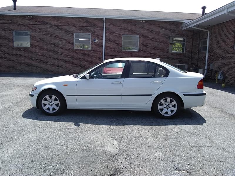 2004 BMW 3-Series 325i Sedan for sale by dealer