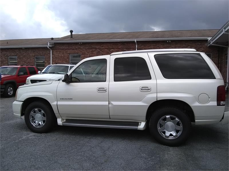 2003 Cadillac Escalade AWD for sale by dealer