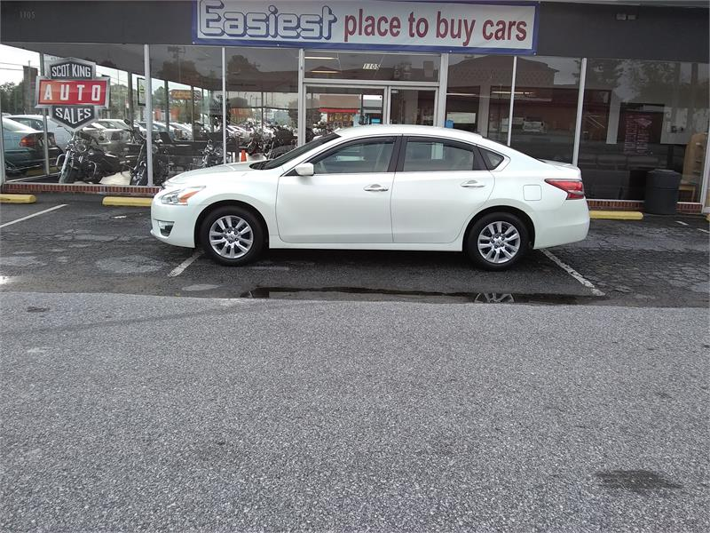 2013 Nissan Altima 2.5 S for sale by dealer