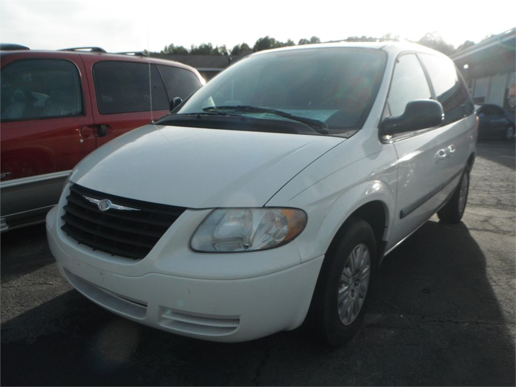 2005 Chrysler Town & Country LX for sale by dealer