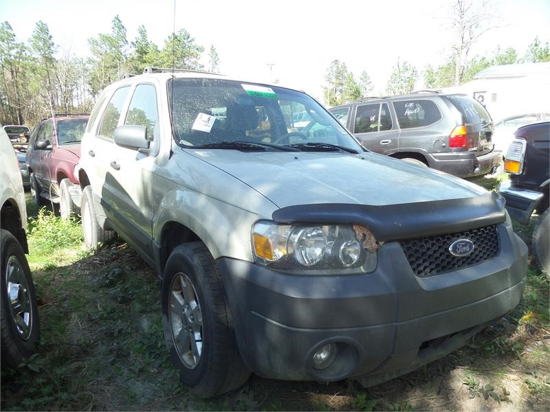 2005 FORD ESCAPE XLT for sale by dealer