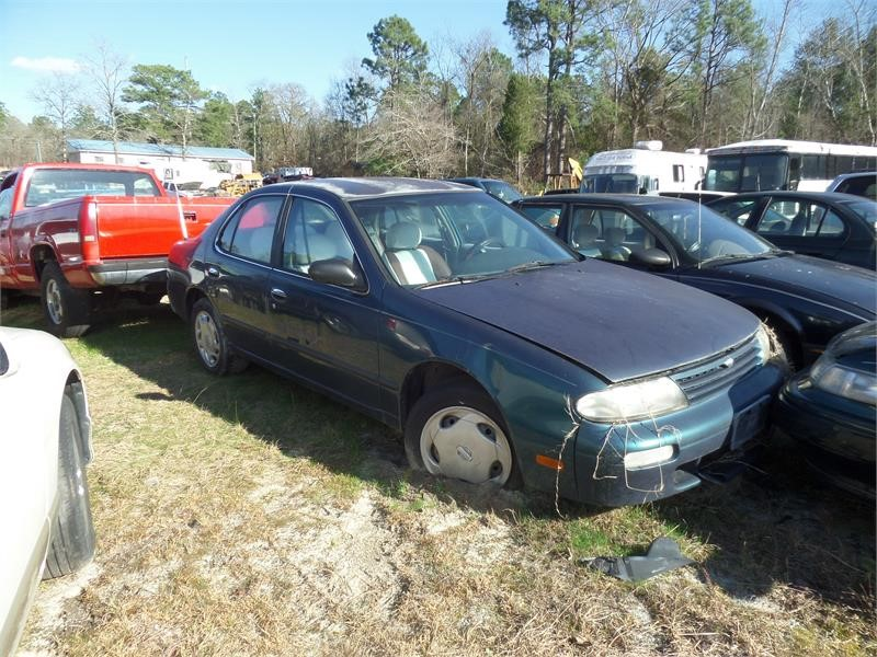 1996 NISSAN ALTIMA XE/GXE/SE/GLE for sale by dealer