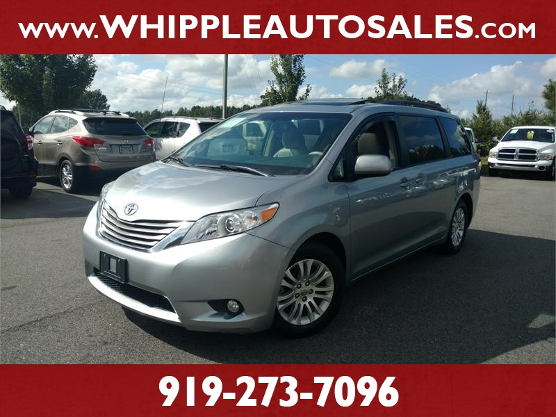 2012 TOYOTA SIENNA XLE for sale by dealer