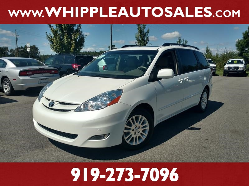2010 TOYOTA SIENNA XLE (1-OWNER) for sale by dealer