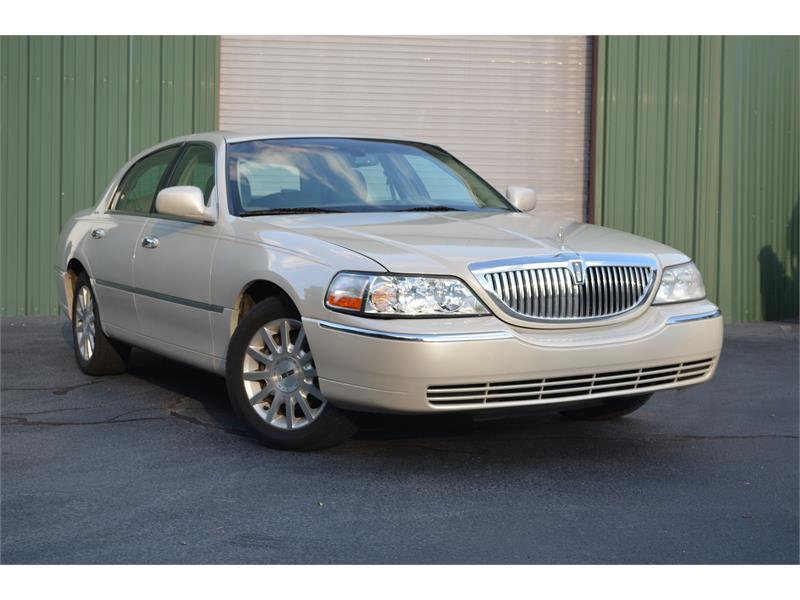2007 Lincoln Town Car Signature for sale by dealer