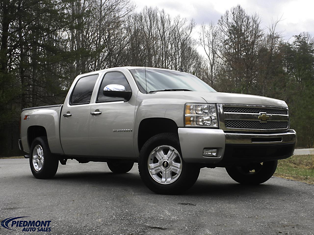 2007 Chevrolet Silverado 1500 LT1 Crew Cab 4WD for sale by dealer