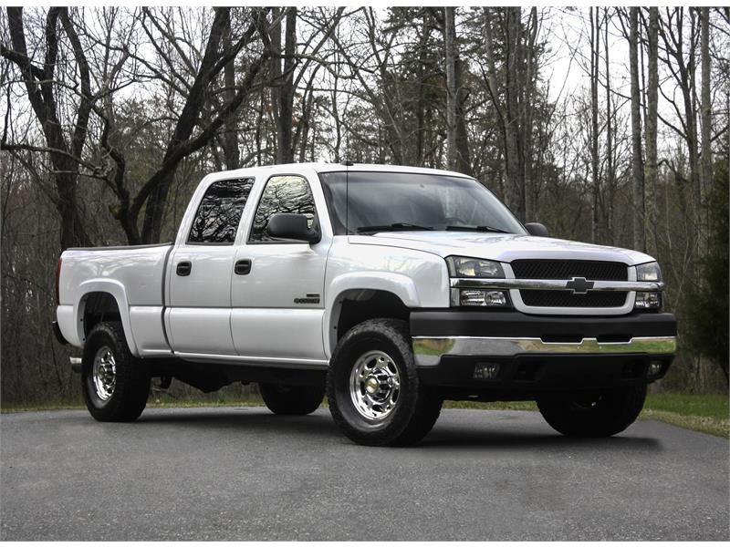 2004 Chevrolet Silverado 2500HD LS Crew Cab Short Bed 4WD for sale by dealer