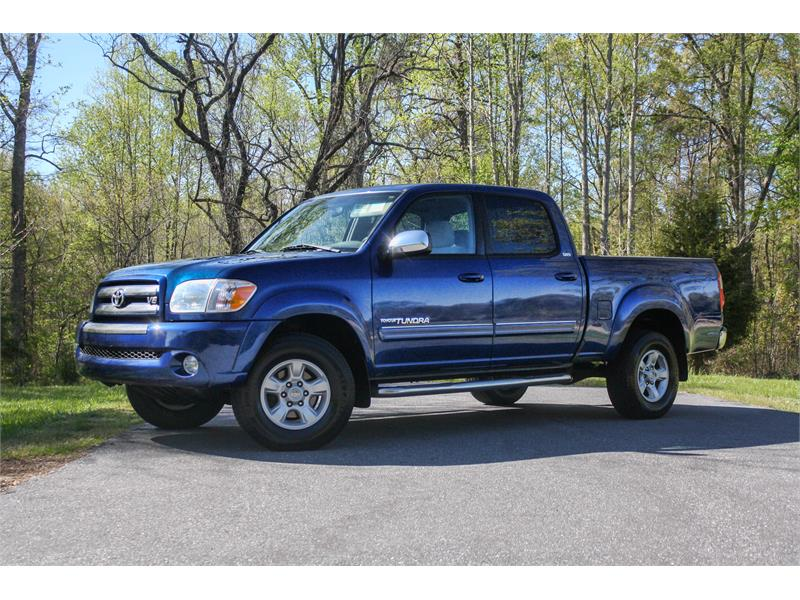 2005 Toyota Tundra SR5 Double Cab 4WD for sale by dealer