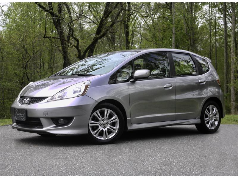2009 Honda Fit Sport 5-Speed AT with Navigation for sale by dealer