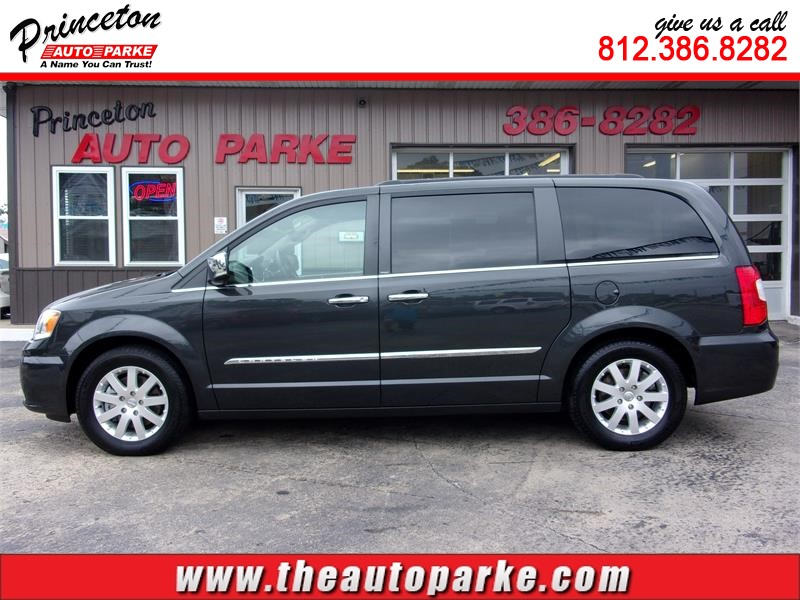 2012 CHRYSLER TOWN & COUNTRY TOURING L for sale in Princeton