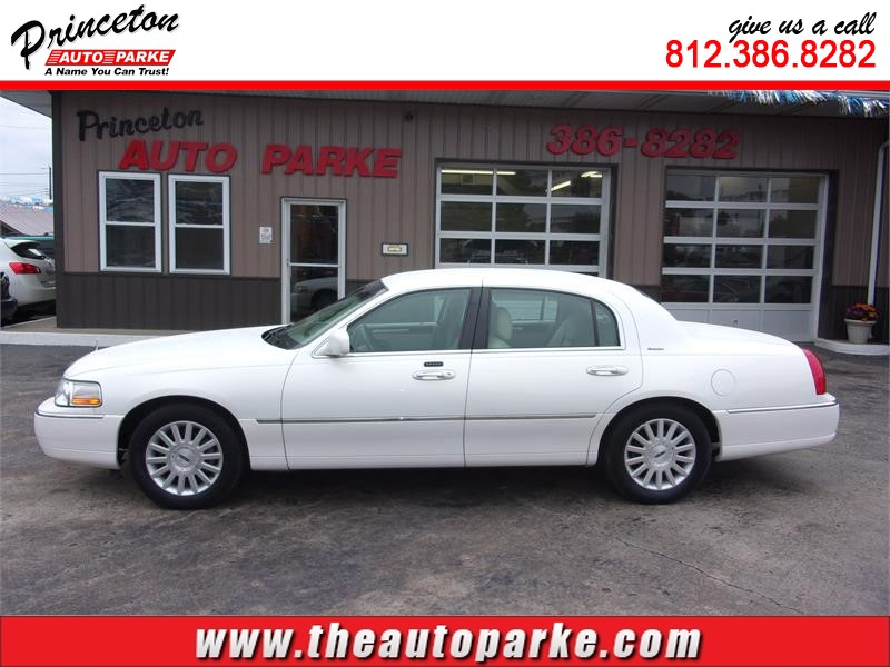 2003 LINCOLN TOWN CAR EXECUTIVE for sale by dealer