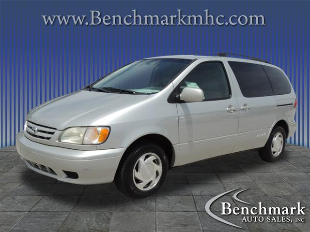 2002 Toyota Sienna LE for sale by dealer