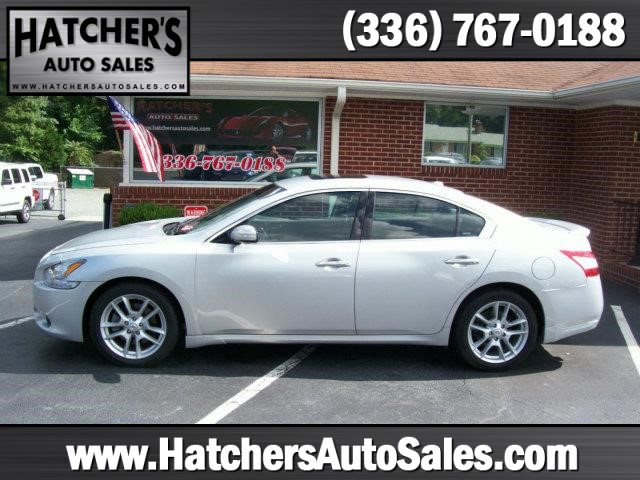 2010 Nissan Maxima SV for sale by dealer