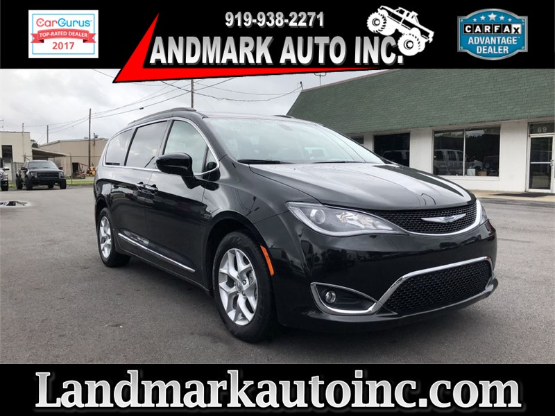 2017 CHRYSLER PACIFICA TOURING L Smithfield NC