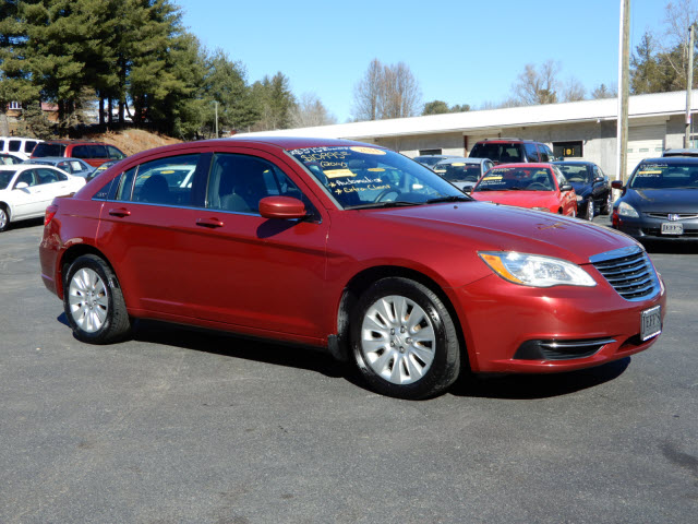 Chrysler 200 LX in Asheville