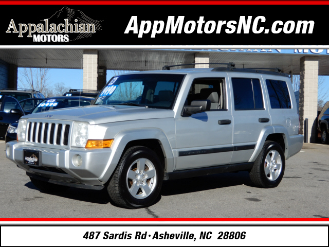 Jeep Commander Base in Asheville