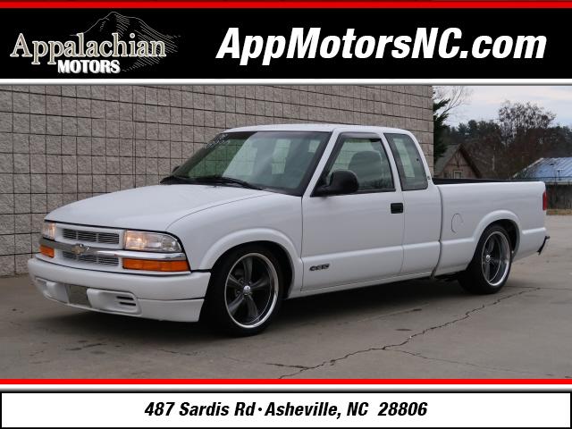 Chevrolet S-10 LS in Asheville