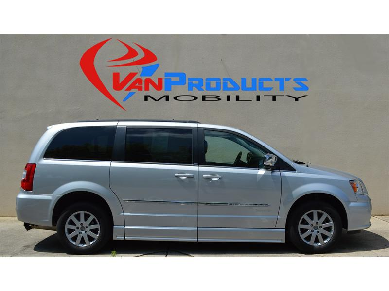 2011 Chrysler Town & Country for sale by dealer