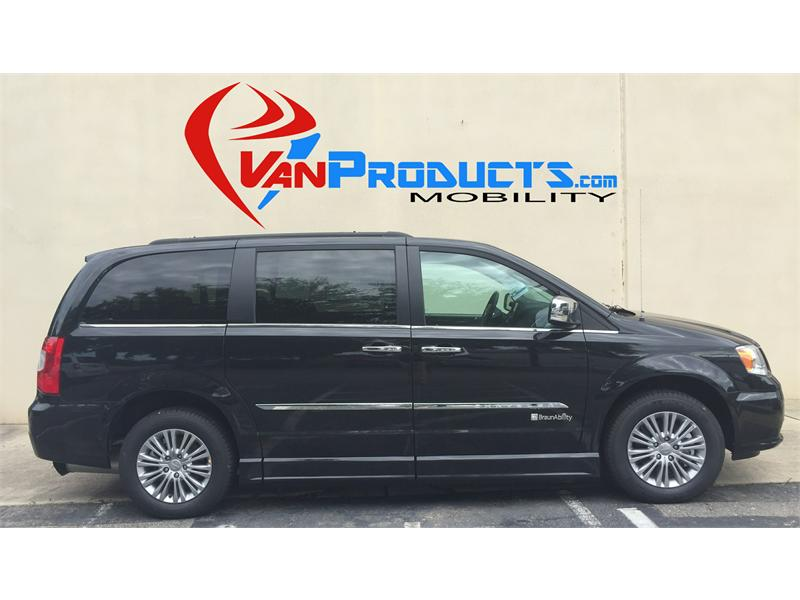 2016 Chrysler Town & Country for sale by dealer