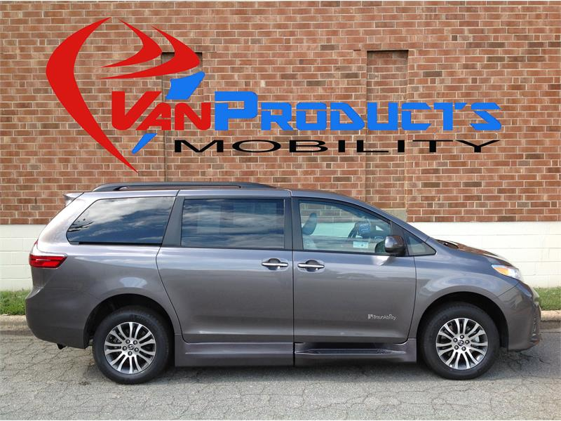 2018 Toyota  Sienna XLE for sale by dealer