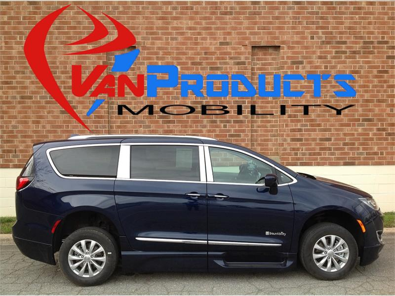 2018 Chrysler  Pacifica Touring L Plus  for sale by dealer