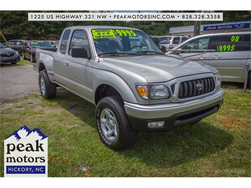 2003 Toyota Tacoma Xtracab V6 4WD for sale!
