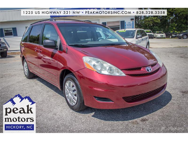 2009 Toyota Sienna LE for sale!