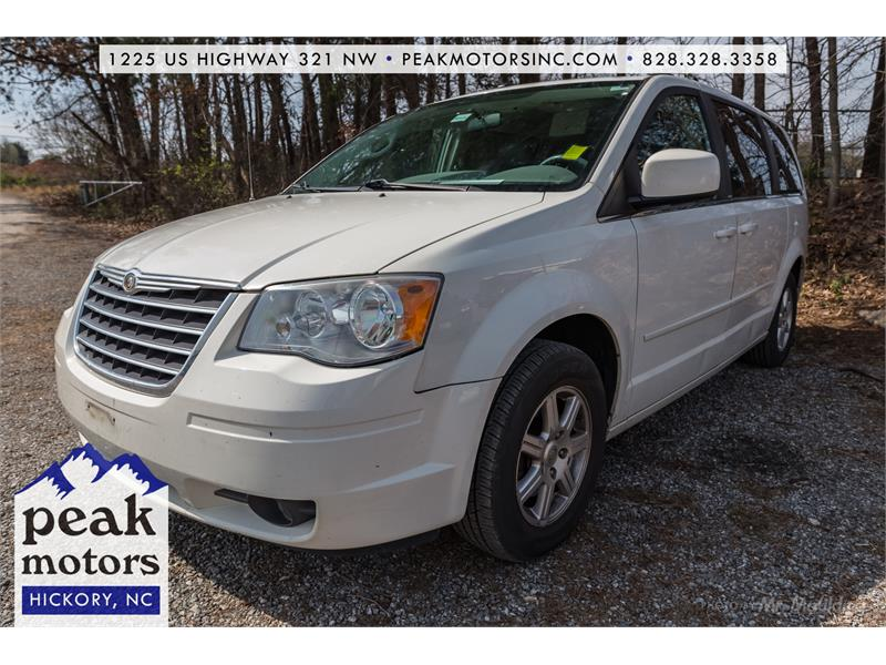 2008 Chrysler Town & Country Touring Hickory NC
