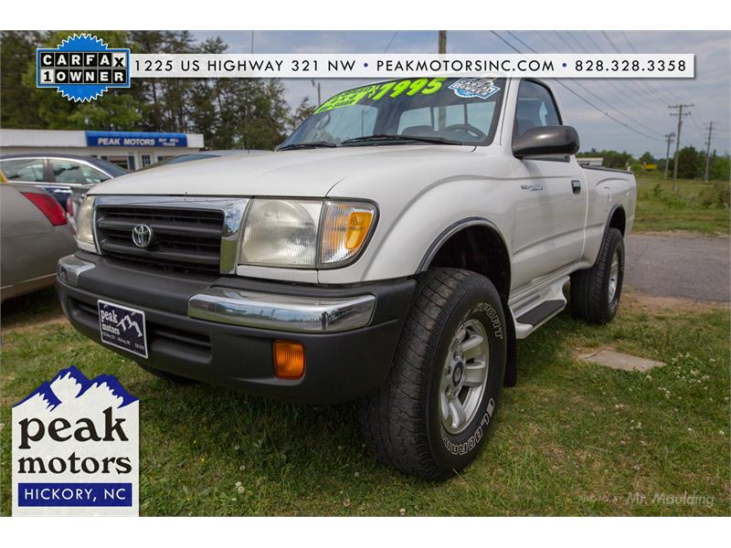2000 Toyota Tacoma for sale by dealer