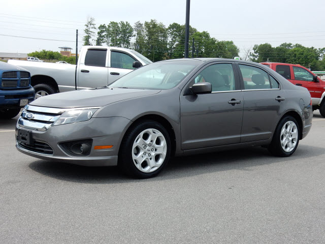 2011 ford fusion se for sale in asheville. Black Bedroom Furniture Sets. Home Design Ideas
