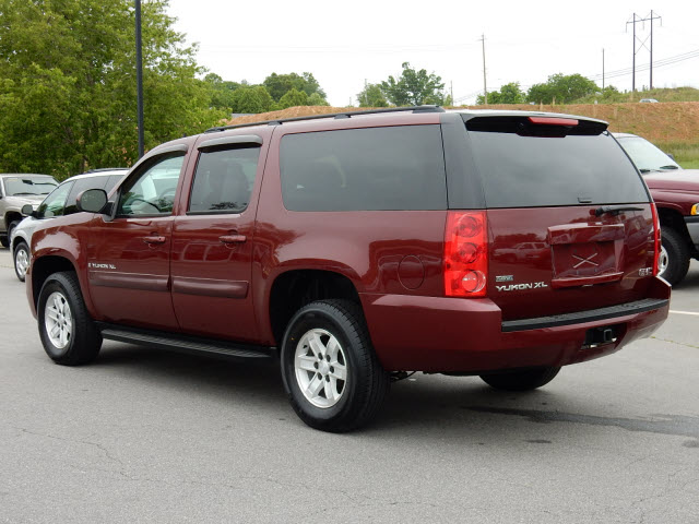 2008 gmc yukon xl slt 1500 for sale in asheville. Black Bedroom Furniture Sets. Home Design Ideas