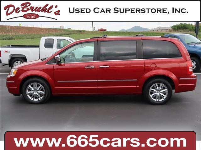 2008 Chrysler Town & Country Limited for sale by dealer